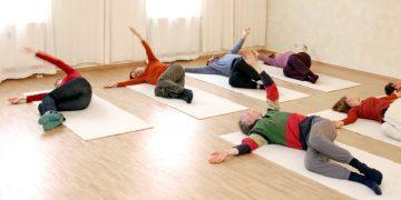 Feldenkrais-Gruppenkurse in Tübingen und in Eningen - mit Köpfchen und Körpergefühl sich besser bewegen lernen